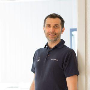 Dr. Alexander Kossmann Porträtbild